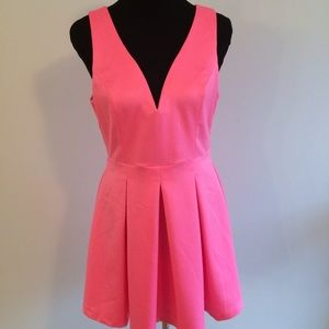 DRESS by Tea & Cup Size Large NEW V-Neck Pink